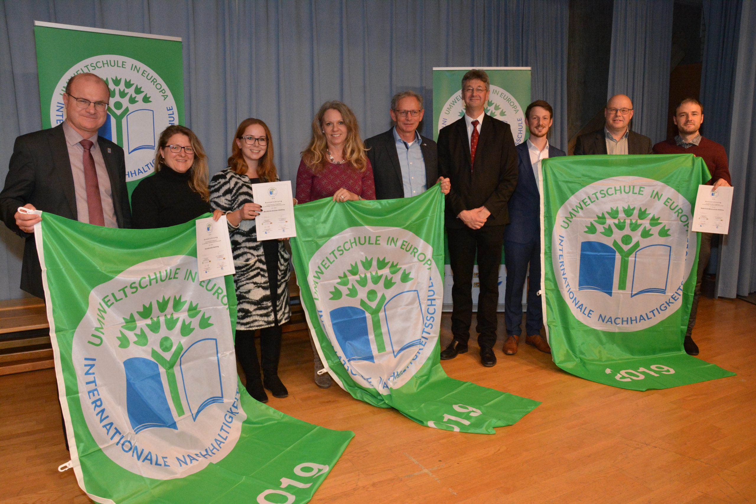 Bayerischer Kultusminister ehrt 163 Umweltschulen